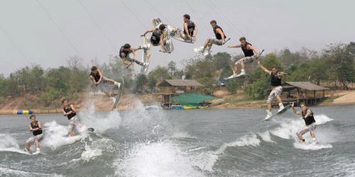 Vodní adrenalin na wakeboardu
